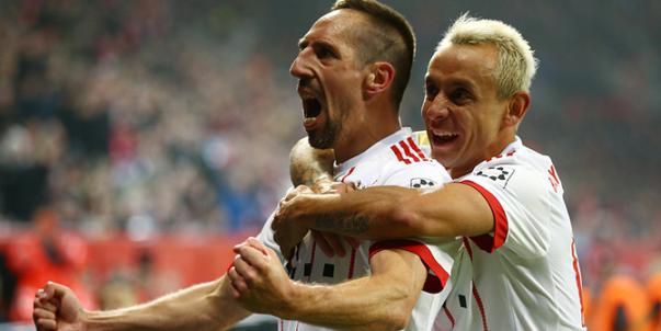 بايرن ميونخ يسحق ليفركوزن على ملعبه بثلاثية معززاً موقعه بصدارة الدوري الالماني