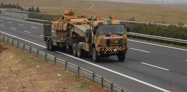 تركيا ترسل تعزيزات عسكرية إلى الحدود مع سوريا