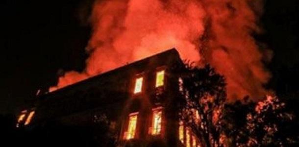 قتلى جراء حريق نشب في فندق بنيودلهي